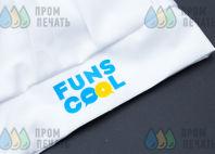 Белые детские колпаки с логотипом «FUNSCOOL»
