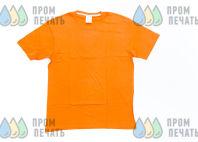 Оранжевые футболки с надписью «СинКосМебель»