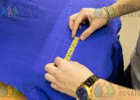 Синие толстовки с надписью «PRIVEZU59 доставка товаров из IKEA»