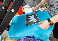 Голубые футболки-поло с логотипом «FERPLAST»