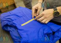 Синие утепленные жилеты с надписью «PRIVEZU59 доставка товаров из IKEA»