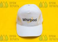 Белые бейсболки с надписью «Whirlpool»