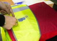 Желтые сигнальные жилеты с логотипом и надписью УК