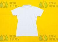 Белые футболки-поло с надписью «GGYM»