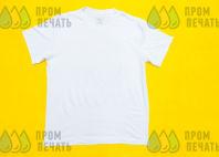 Белая футболка с надписью «ДОБРОТА»