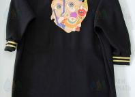 Платье с цветным абстрактным изображением
