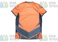 Двухцветные спортивные футболки с цифрой «39»