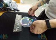 Черных футболки-поло с логотипом «LED CAPITAL»