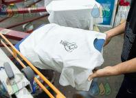 Белые футболки с изображением йога