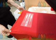 Красных футболки с логотипом «Red bullets»