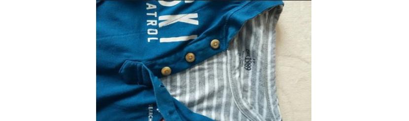 Фото модной футболки 2019 с многослойным эффектом в синих тонах