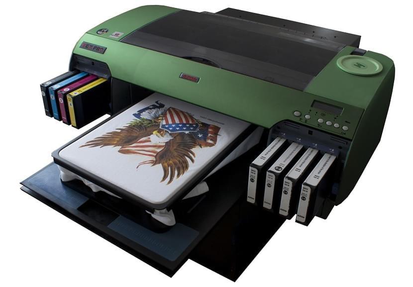 Фото принтера для прямой цифровой печати на футболках