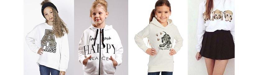 Фото девочек в белых толстовках с надписями и рисунками