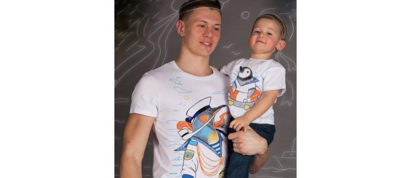 Фото папы и сына в футболках креативным рисунком пингвинов