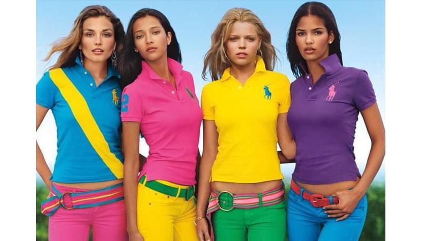 Фото девушек в футболках поло ярких расцветок
