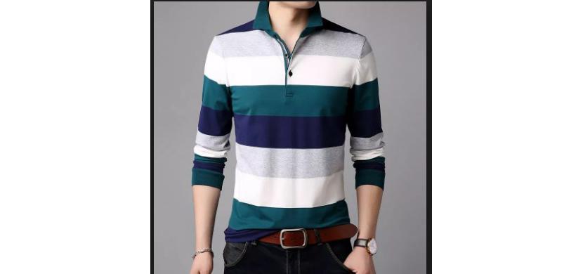 Фото парня в модной полосатой рубашке поло