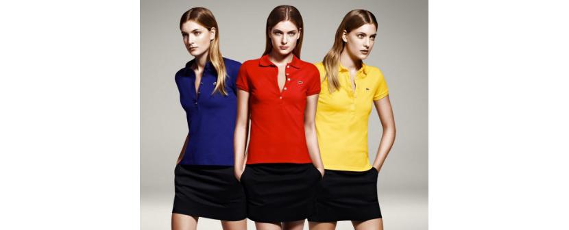 Фото девушек в модных ярких футболках поло